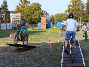 Der Fahrrad-Parcours ist für Jung und Alt ein besonderes Erlebnis (Foto: Schlösser)